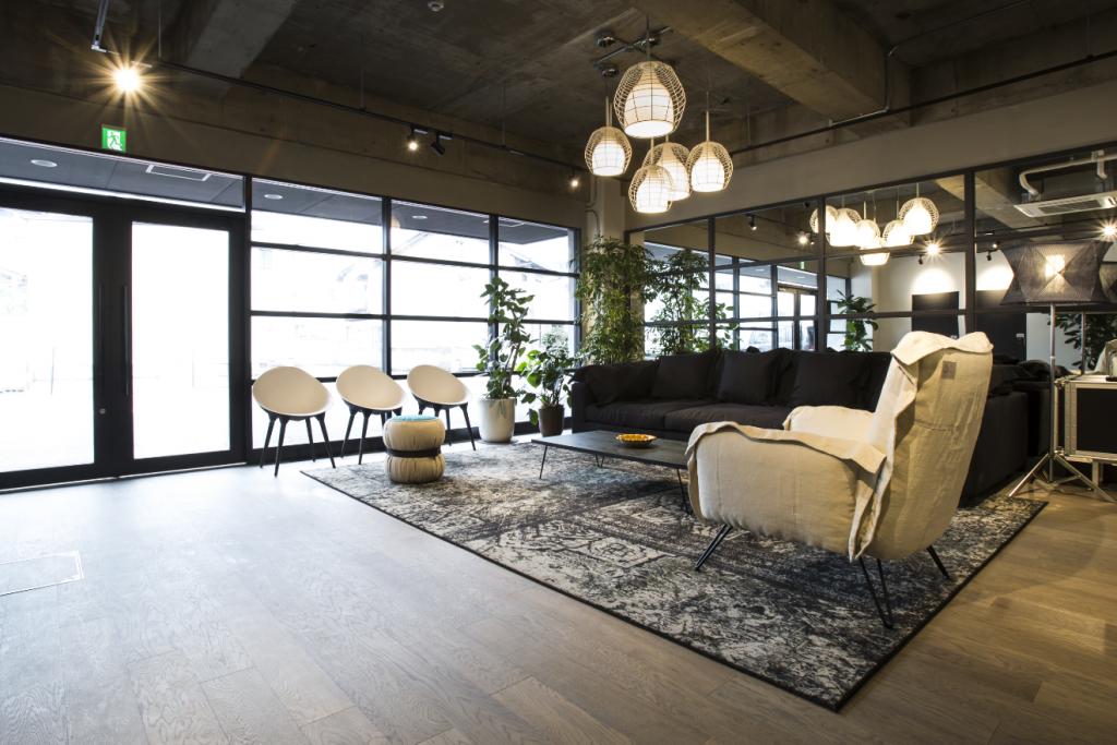 lounge2x